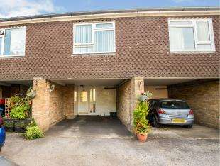 3 Bedrooms Terraced House for sale in Hook Road, Chessington, Surrey, .