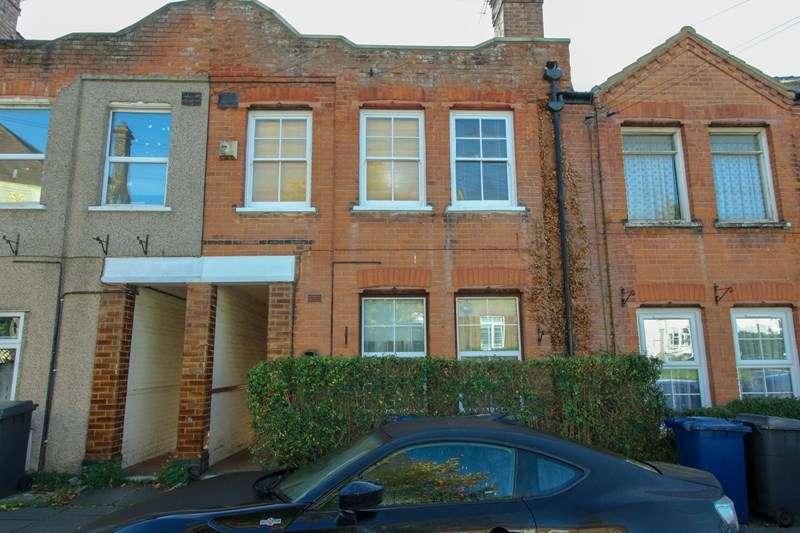 2 Bedrooms Apartment Flat for sale in West End Lane, High Barnet, Hertfordshire, EN5