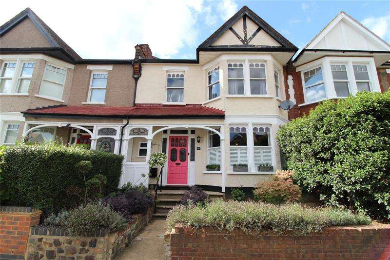 4 Bedrooms Terraced House for sale in Bedford Avenue, High Barnet, Hertfordshire, EN5