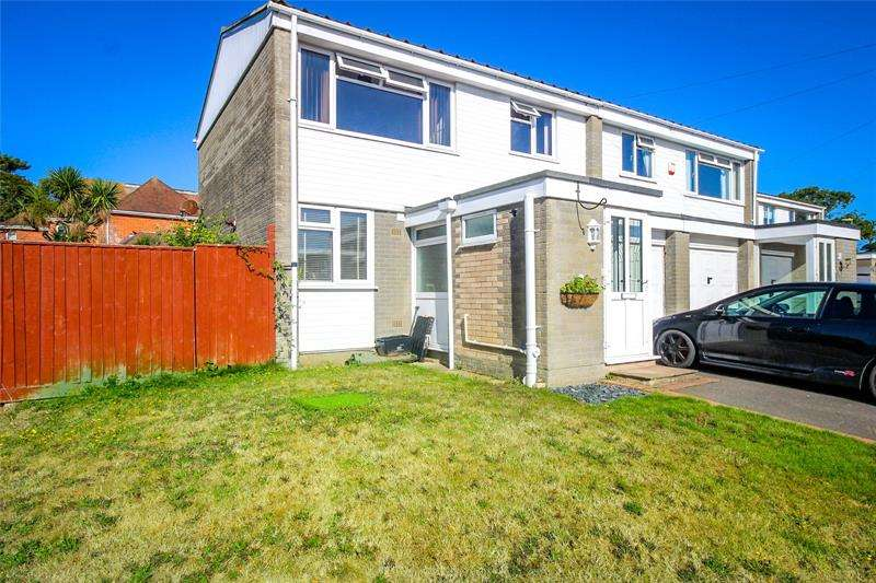 3 Bedrooms Semi Detached House for sale in Maple Close, Barton on Sea, New Milton, Hampshire, BH25