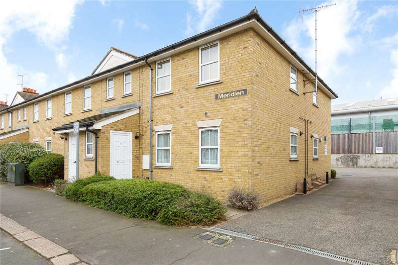 2 Bedrooms Maisonette Flat for sale in Meridien, Clydesdale Road, Hornchurch, RM11