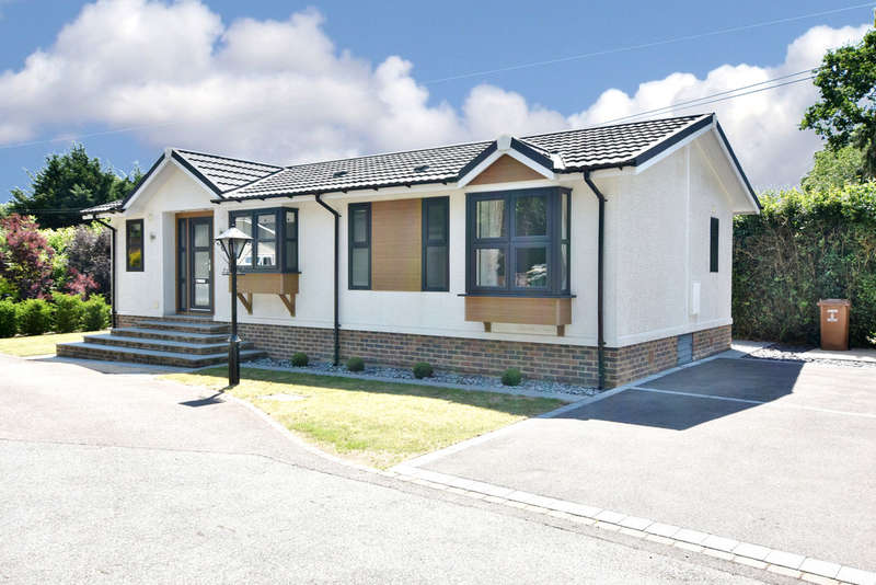2 Bedrooms Mobile Home for sale in Long Pightle Park, Chandlers Cross
