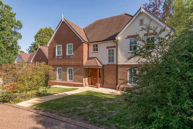 5 Bedrooms Detached House for sale in Cronks Hill Road, Redhill, Surrey, RH1