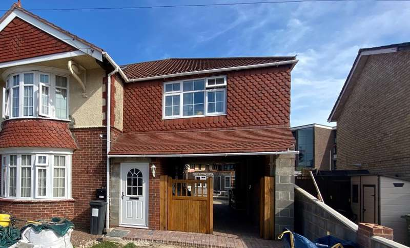 2 Bedrooms Apartment Flat for sale in Chatsworth Avenue, Portsmouth, Hampshire, PO6 2UW