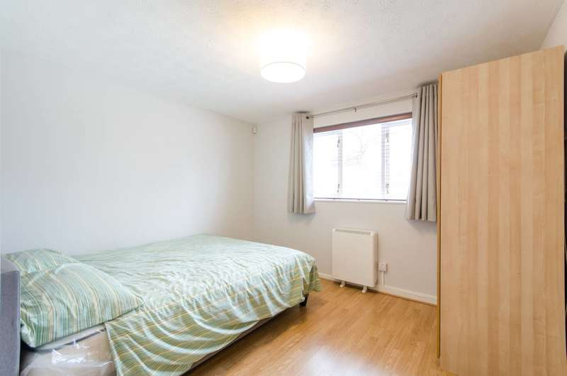 2 Bedrooms Flat for rent in Campbell Gordon Way, Dollis Hill, NW2