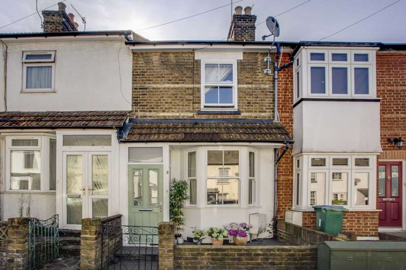 2 Bedrooms Terraced House for sale in Capel Road, Oxhey Village