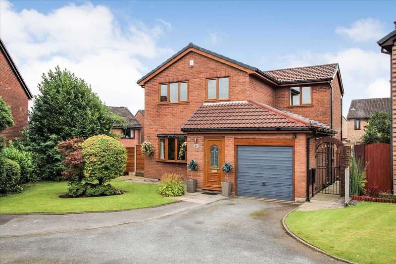 4 Bedrooms Detached House for sale in Whitsundale, Westhoughton