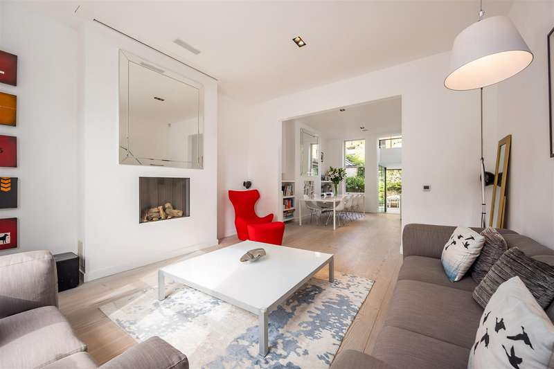 3 Bedrooms Flat for sale in Garden Maisonette, Kemplay Road, Hampstead Village, NW3