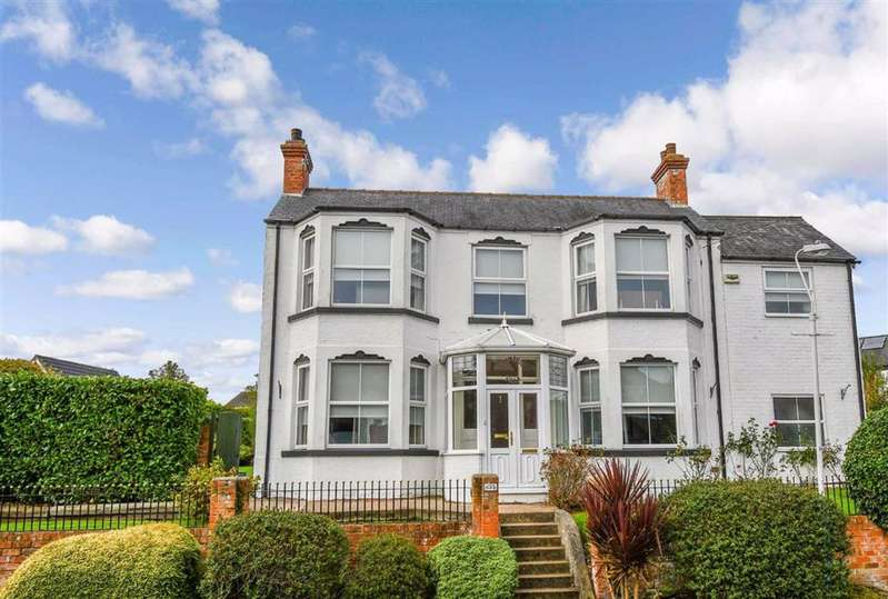 3 Bedrooms Detached House for sale in Primrose Villa, Willerby, East Riding Of Yorkshire