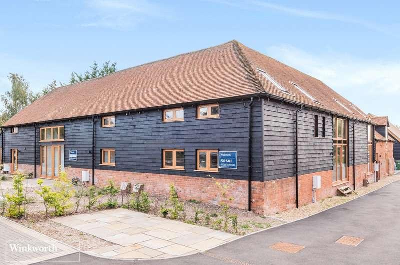 3 Bedrooms House for sale in Leamington Court, Newfound, Oakley, Basingstoke, RG23
