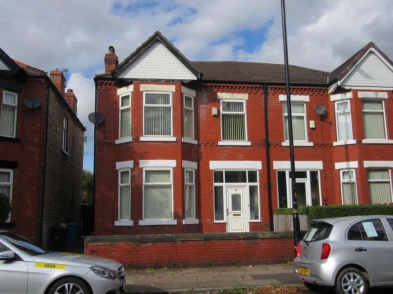 3 Bedrooms Terraced House for sale in Kings Road, Old Trafford, Manchester. M16 7GY