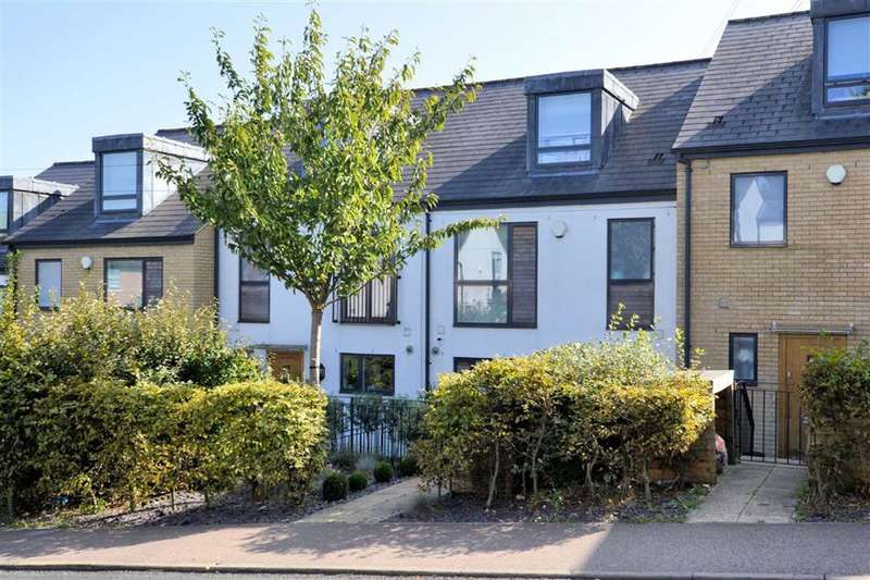 4 Bedrooms Town House for sale in Meadow View, Ivy Chimneys, Epping