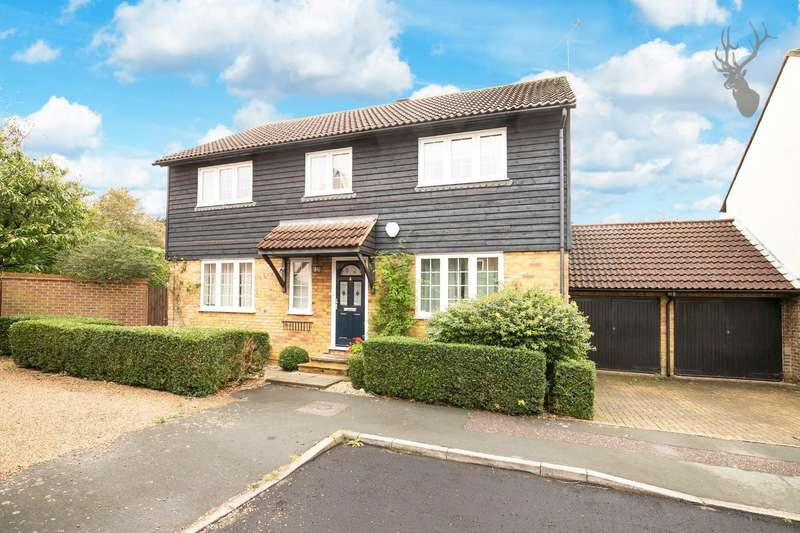 4 Bedrooms Detached House for sale in Beech Place, Epping, Essex