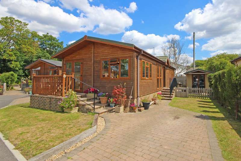 2 Bedrooms Mobile Home for sale in Upper Beeding