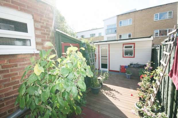 2 Bedrooms Terraced House for sale in St. Albans Avenue, London, E6