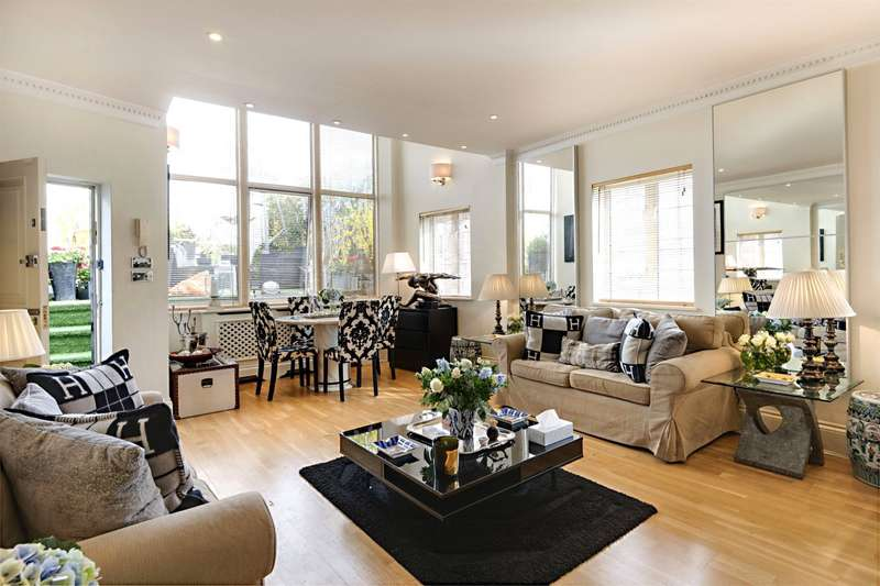 2 Bedrooms Flat for sale in The Mount, Hampstead Village, London, NW3