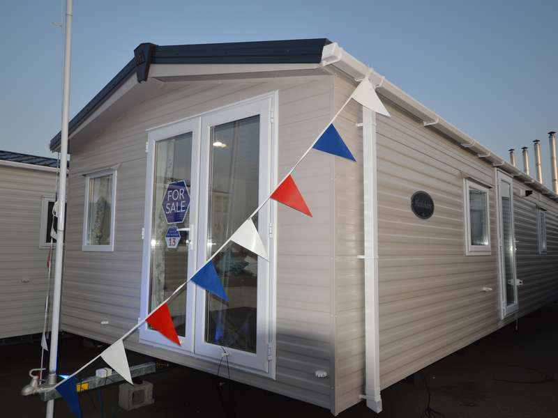 3 Bedrooms Caravan Mobile Home for sale in Harts, Isle of Sheppey
