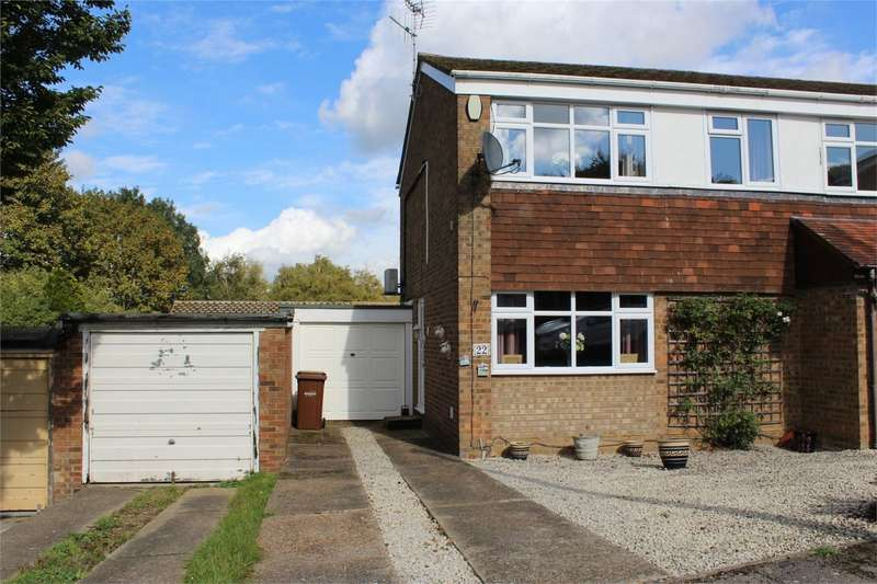 3 Bedrooms Semi Detached House for sale in Silverspot Close, RAINHAM, GILLINGHAM, Kent