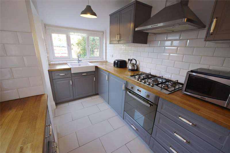 2 Bedrooms Terraced House for sale in North Road Avenue, Brentwood, CM14
