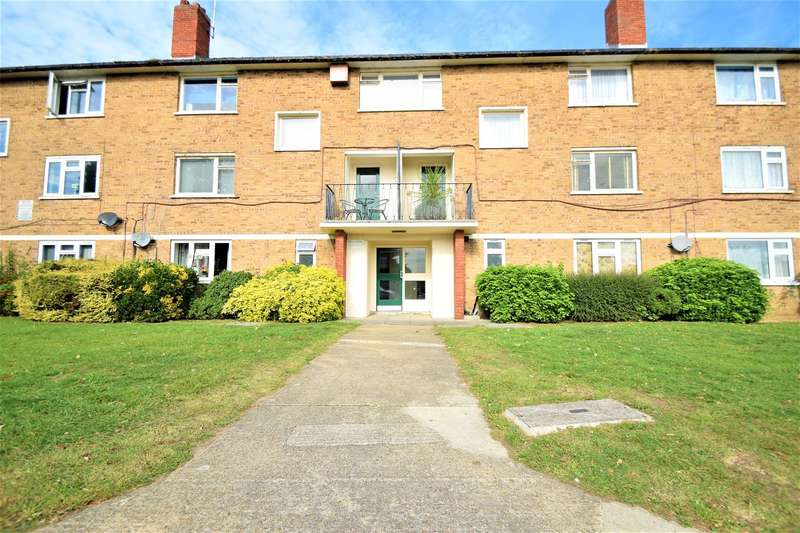 3 Bedrooms Flat for sale in Magpie Hall Lane, Bromley