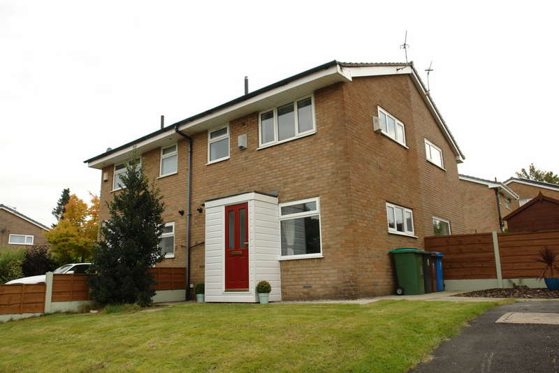 1 Bedroom Semi Detached House for sale in Penthorpe Drive, Royton