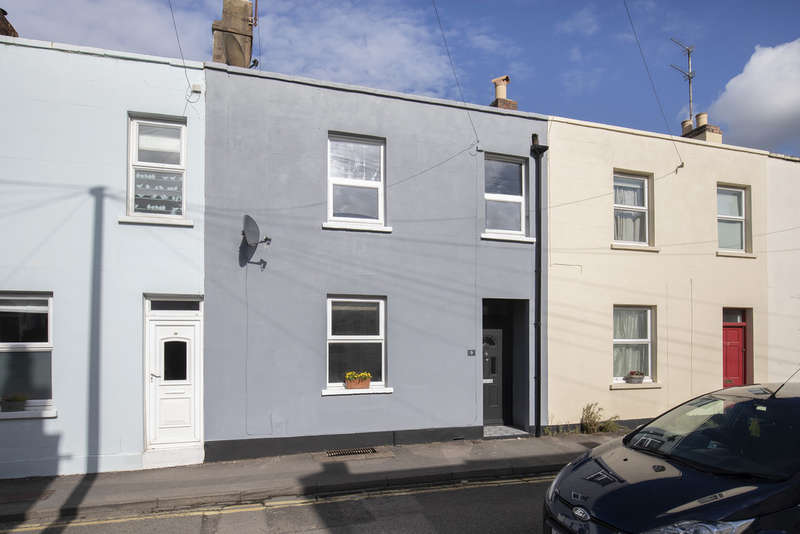 3 Bedrooms Terraced House for sale in St. Annes Terrace, Cheltenham GL52 6AP