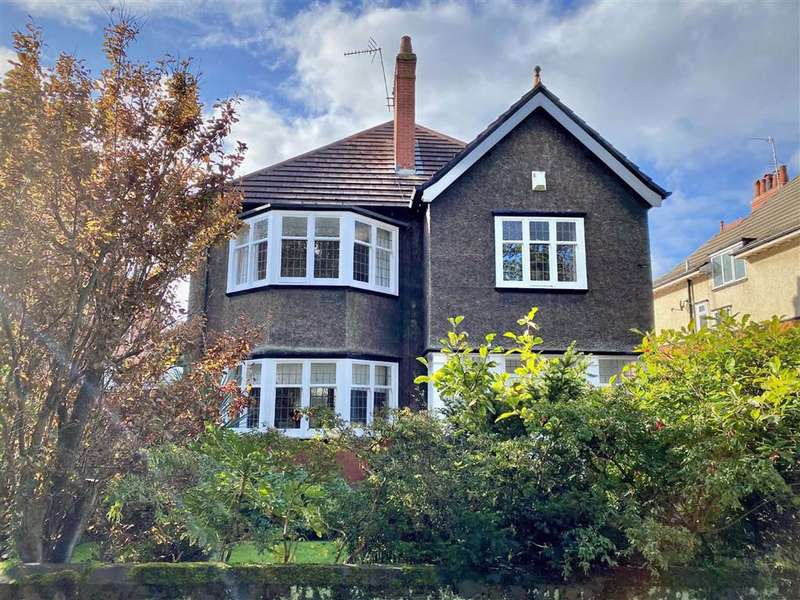 5 Bedrooms Detached House for sale in Park Avenue, Lytham