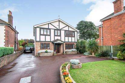 5 Bedrooms Detached House for sale in Bournemouth, Dorset