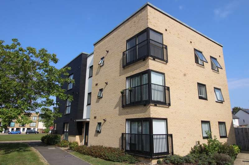 2 Bedrooms Apartment Flat for sale in Greenview House, 1 Westwood, Gravesend, Kent, DA11