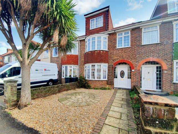 3 Bedrooms Terraced House for sale in Vale Grove, Gosport, Hampshire