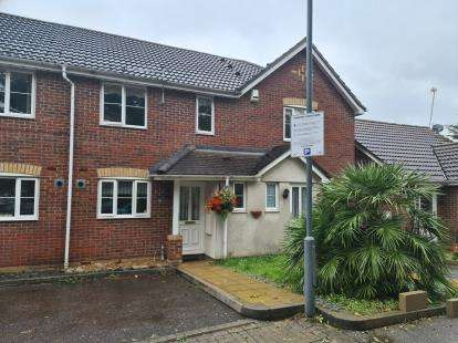 2 Bedrooms Terraced House for sale in Woodford Green, Essex