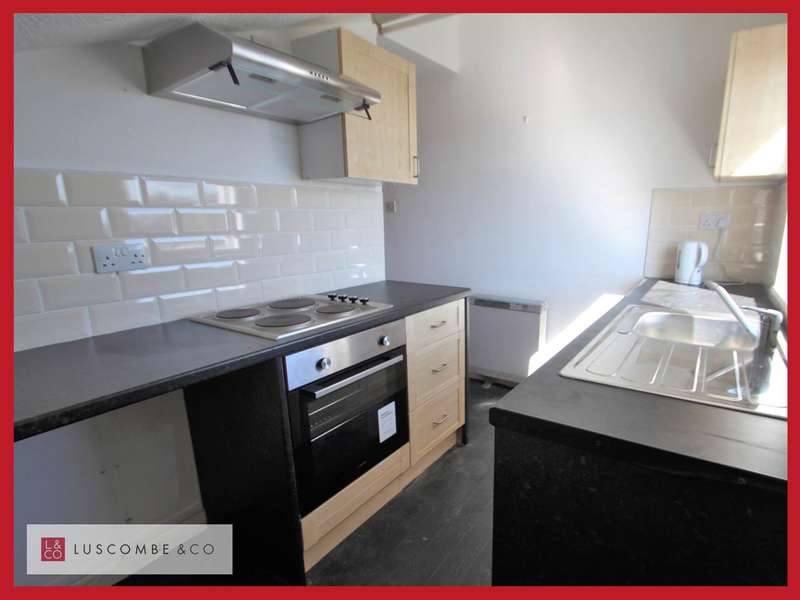 2 Bedrooms Flat for rent in Clarence Place, Newport,