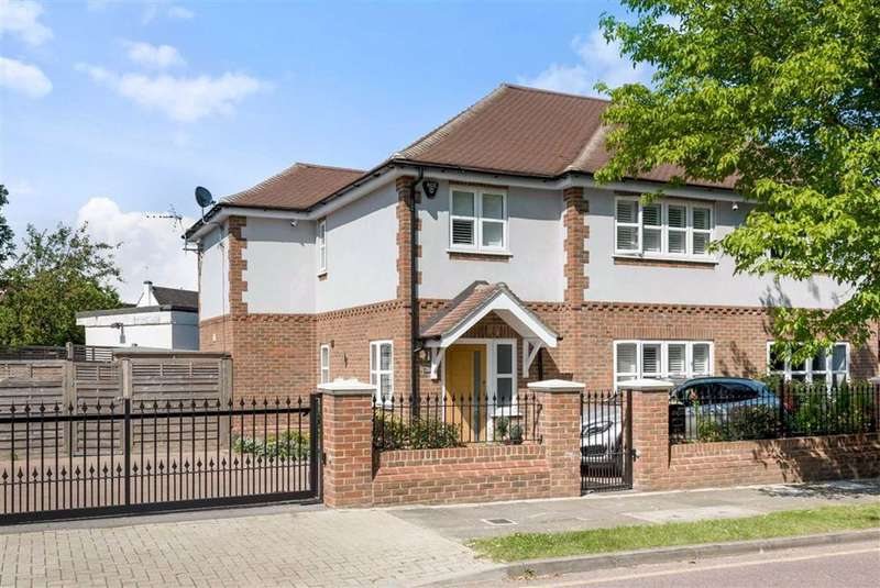 4 Bedrooms Semi Detached House for sale in Lakeswood Road, Petts Wood Orpington