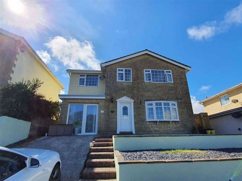 4 Bedrooms Detached House for sale in Grove Drive, Pembroke