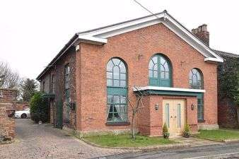 2 Bedrooms Flat for rent in The Chapel House, Bucklow Hill Knutsford, Bucklow Hill