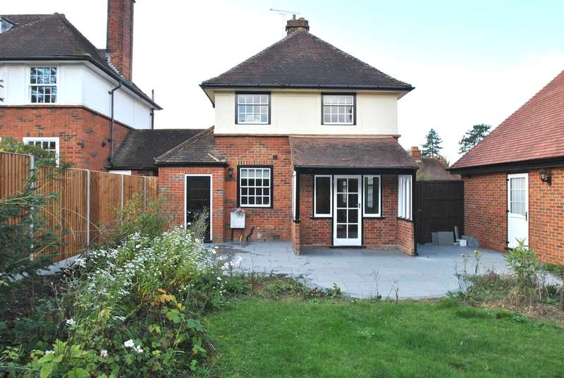4 Bedrooms Detached House for sale in Broadwater Avenue, Letchworth Garden City, SG6
