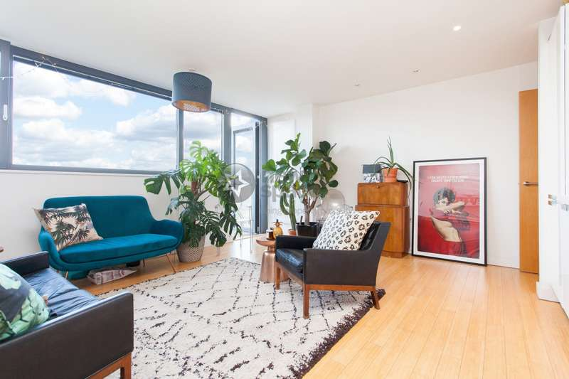 2 Bedrooms Flat for rent in Soda Studios, Kingsland Road, Haggerston, E8