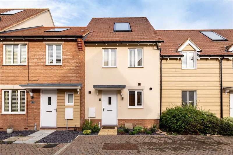 2 Bedrooms Terraced House for sale in Redwing Avenue, Iwade, SITTINGBOURNE