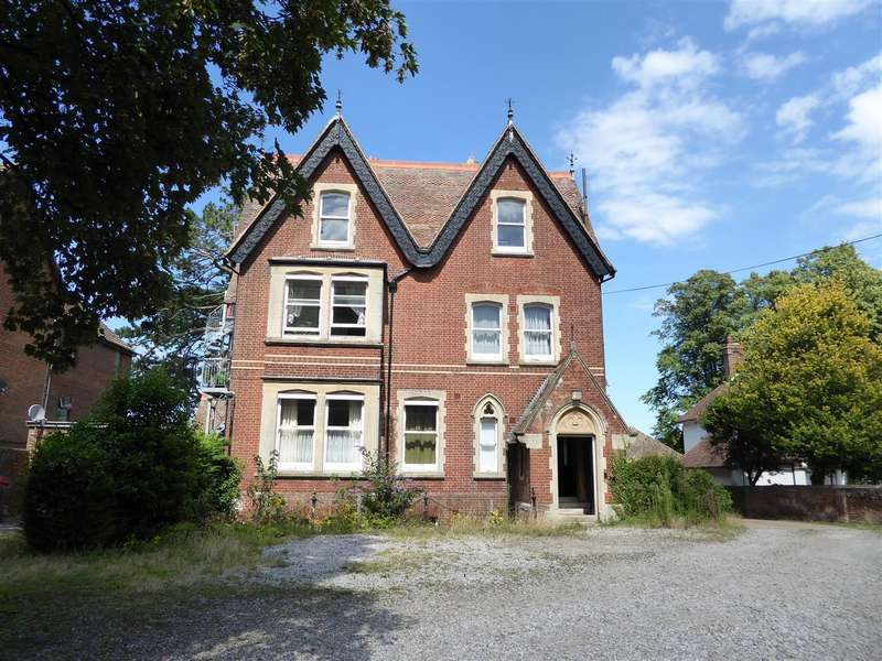 11 Bedrooms Property for sale in New Dover Road, Canterbury