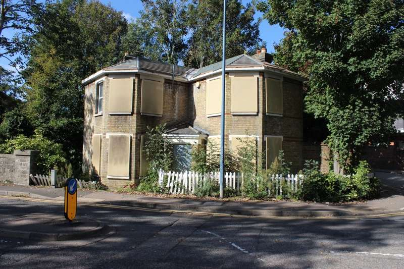 2 Bedrooms Detached House for sale in Len Cottage, 10 Square Hill Road, Maidstone, Kent