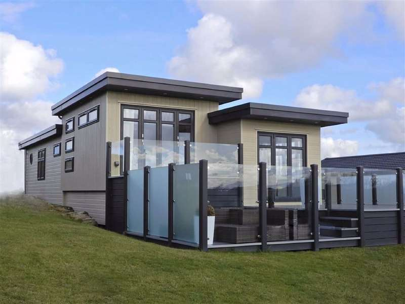 4 Bedrooms Property for sale in Reeds Bay, Ribby Hall Village, Wrea Green