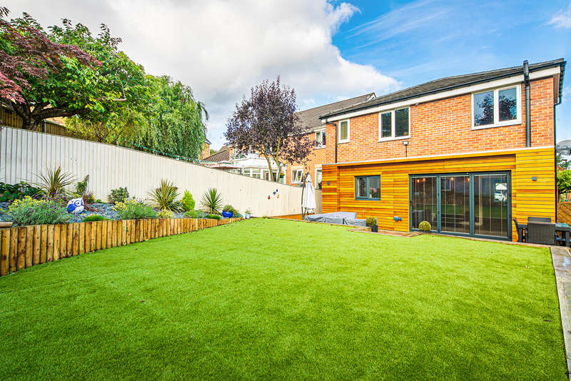 3 Bedrooms Detached House for sale in Leebrook Avenue, Owlthorpe