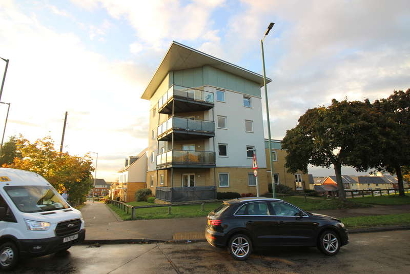 2 Bedrooms Flat for sale in Torkildsen Way, Harlow, CM20