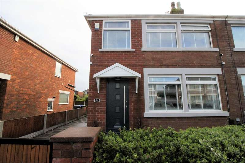 3 Bedrooms Semi Detached House for sale in 8 Helens Close, South Shore, Blackpool, Lancashire, FY4 3QE