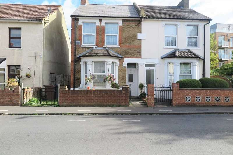 3 Bedrooms Semi Detached House for sale in Strafford Road, Hounslow