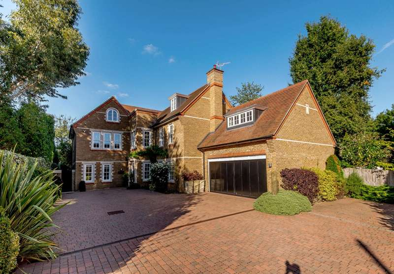 6 Bedrooms Detached House for sale in The Green, Croxley Green, Hertfordshire, WD3