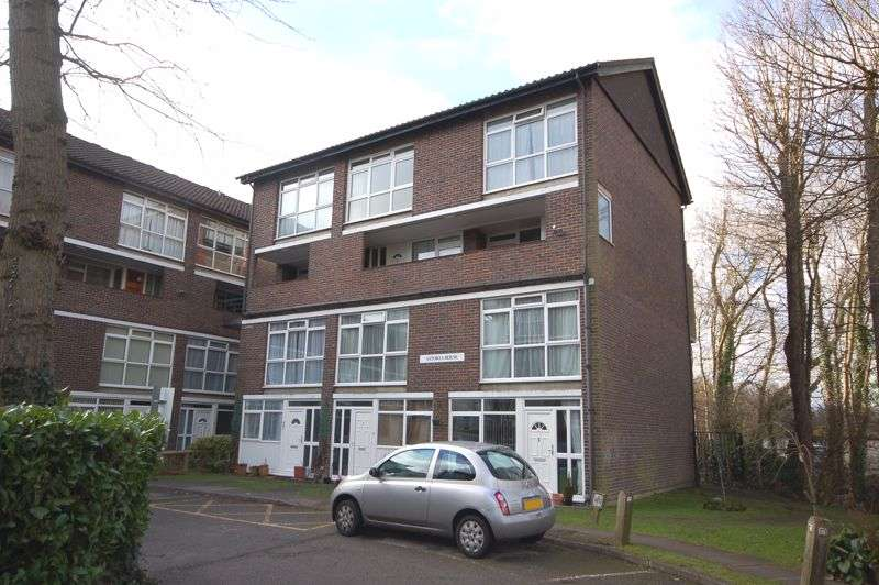 2 Bedrooms Property for rent in Goral Mead, Rickmansworth, WD3