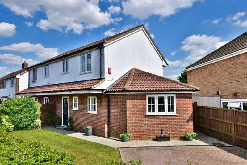 3 Bedrooms Property for sale in The Queens Drive, Rickmansworth