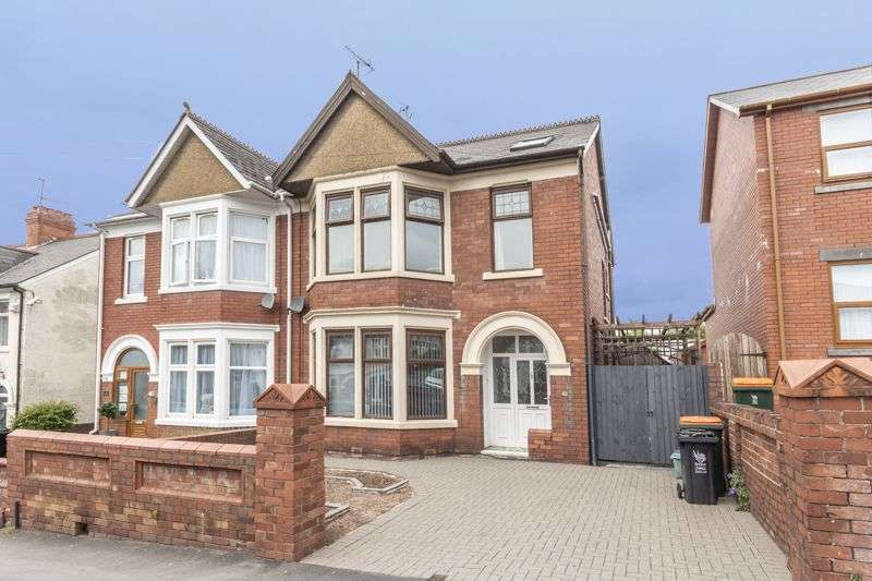 4 Bedrooms Property for sale in St. Julians Avenue, Newport