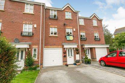 3 Bedrooms Terraced House for sale in Cwrt Llewelyn, Conwy, Conwy, LL32